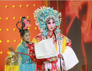 82岁梅葆玖一曲绝唱《梨花颂》,陈思思,吕薇版同样惊艳